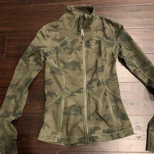 Lululemon Green Camo Forme jacket size 2